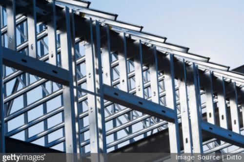 La charpente métallique industrielle : avantages